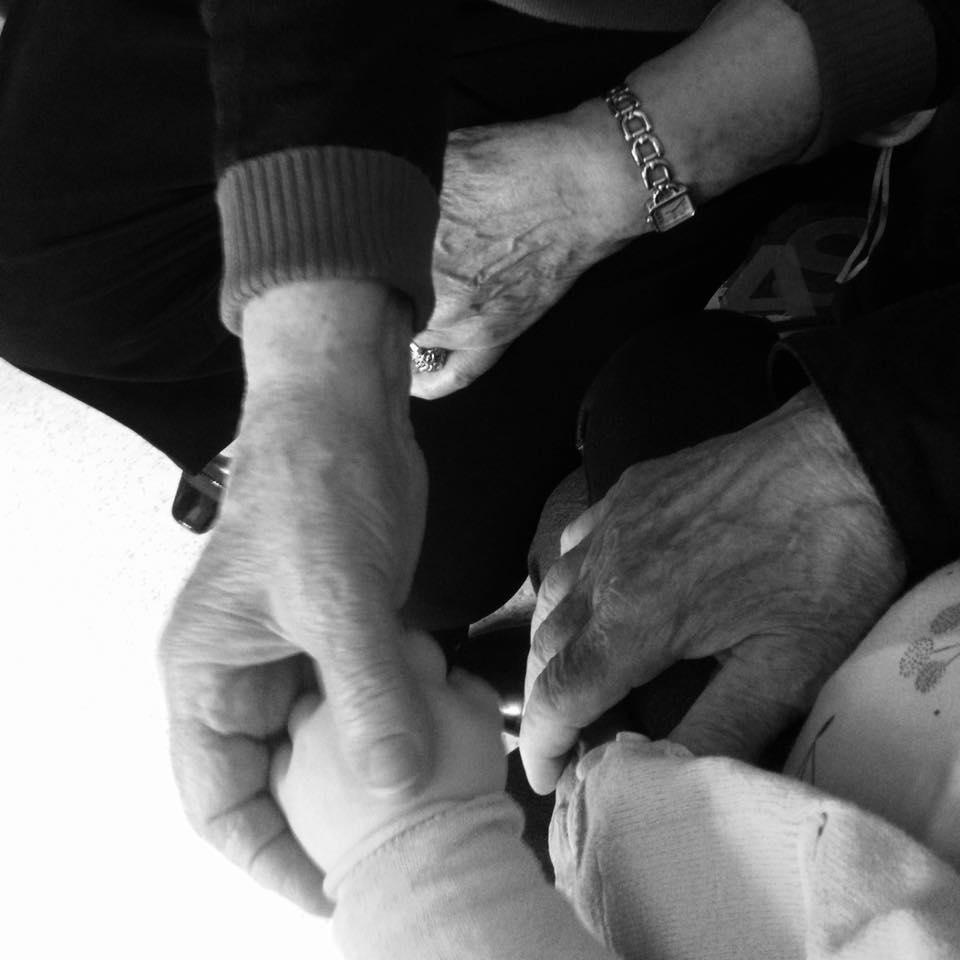 Mains dans la main