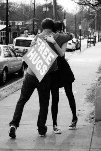 free hugs, les bobos à la ferme, compassion